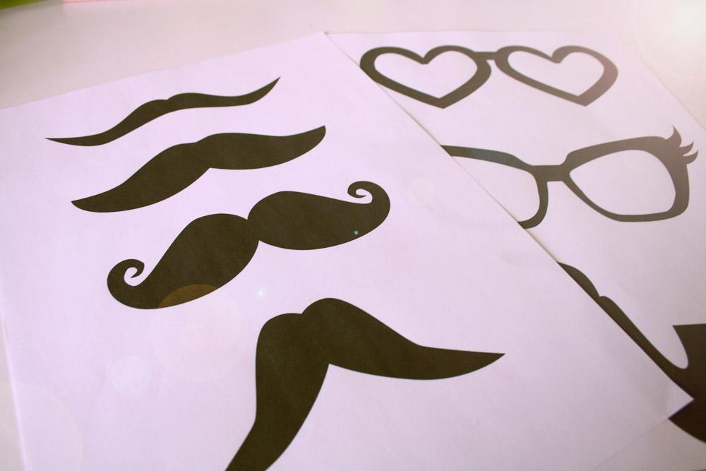 Diy photo booth moustaches poulette magique - Dessin de moustache ...