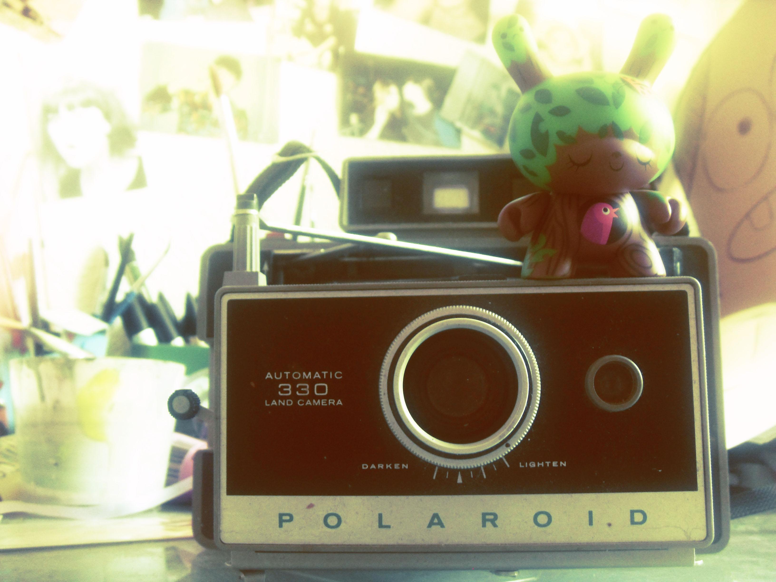 1b8405d6b06d0b Pour finir vous pouvez essayer des petites boutiques de photographies de  quartier, ça arrive qu ils aient encore du stock polaroid, ça ne coûte rien  de ...