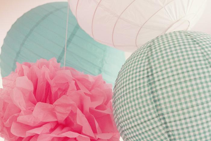 diy pompons et boules japonaises poulette magique. Black Bedroom Furniture Sets. Home Design Ideas