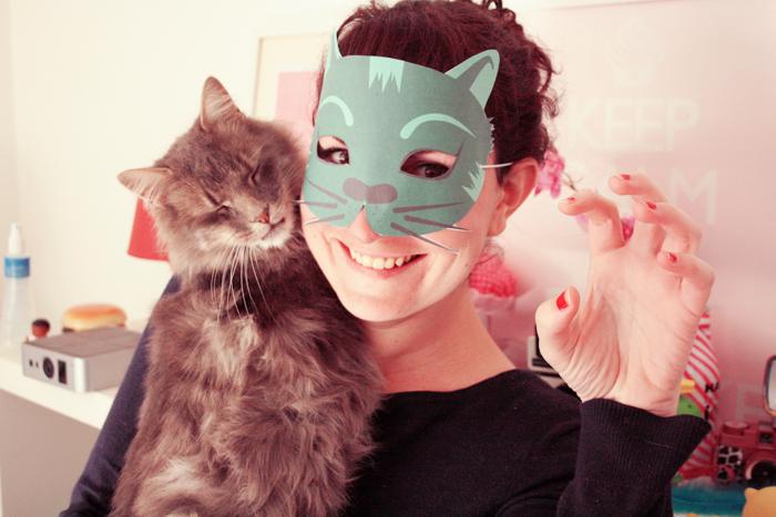 diy masque chat d halloween t l charger poulette magique. Black Bedroom Furniture Sets. Home Design Ideas