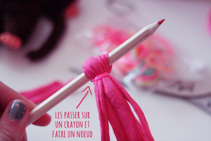 DIY Un Pompon Porte Clés En Trapilho Poulette Magique - Pompon porte clé