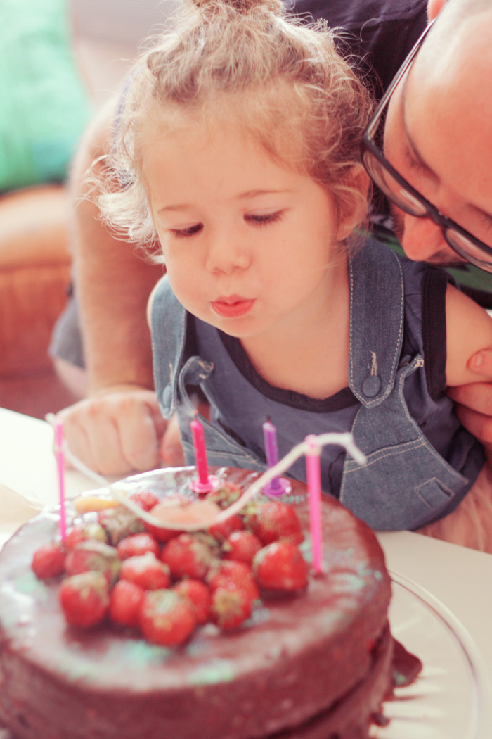J'ai voulu faire un gâteau à étage chocolat et fraise car <b>Alice aime</b> <b>...</b> - anniversaire-magique-9