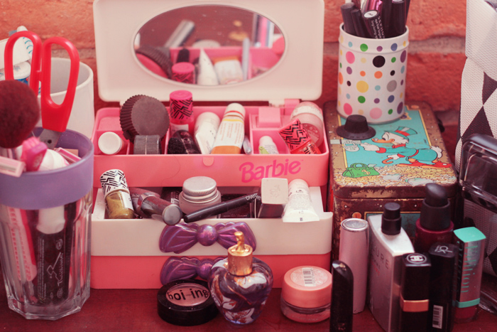 barbie-vanity-case