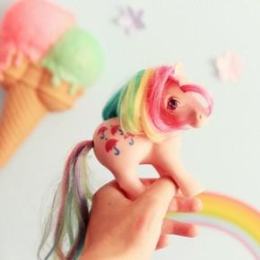 Devinette avec qui My Little Pony vient de faire unehellip