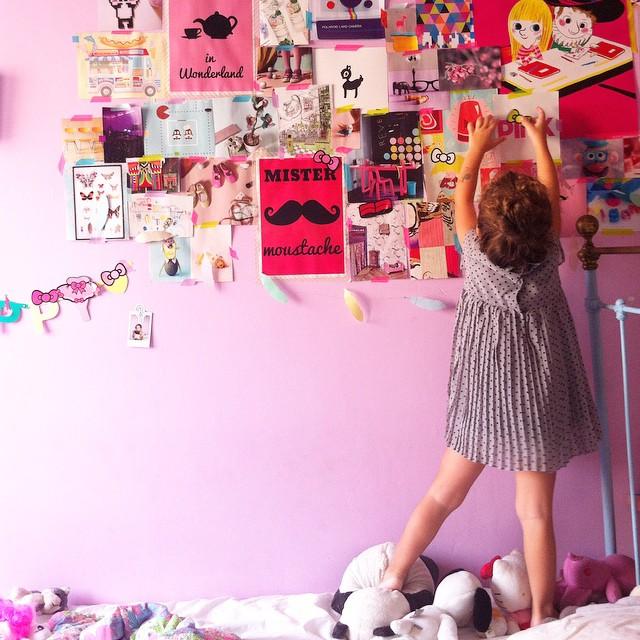 ?Session collage? le carnet de sticker Hello Kitty : meilleur achat de la rentrée ?