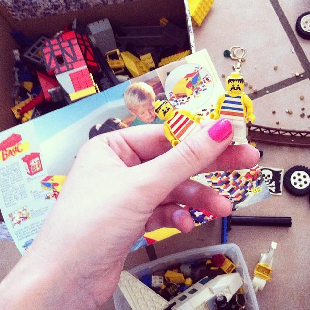 Les Lego étaient moustachus en 1994 ?#videgreniermagique