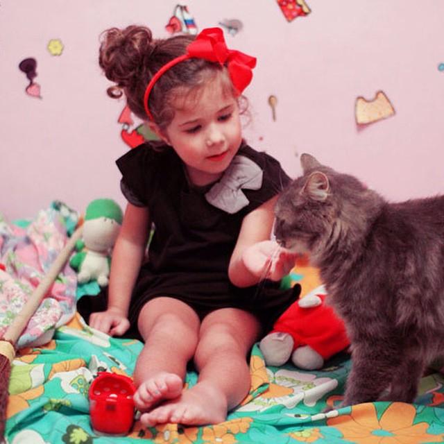 ? Sur le blog il y a Kiki la petite sorcière d'halloween ? avec des astuces pour faire le costume avec trois fois rien et Pixel en bonus ? #kikilapetitesorciere #gihbli #manga #halloween