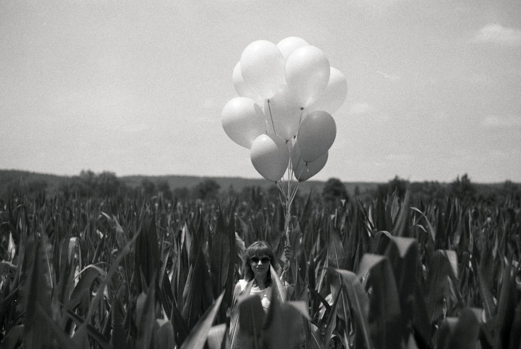 sp4nk-astrid-35mm-balloon-field-1