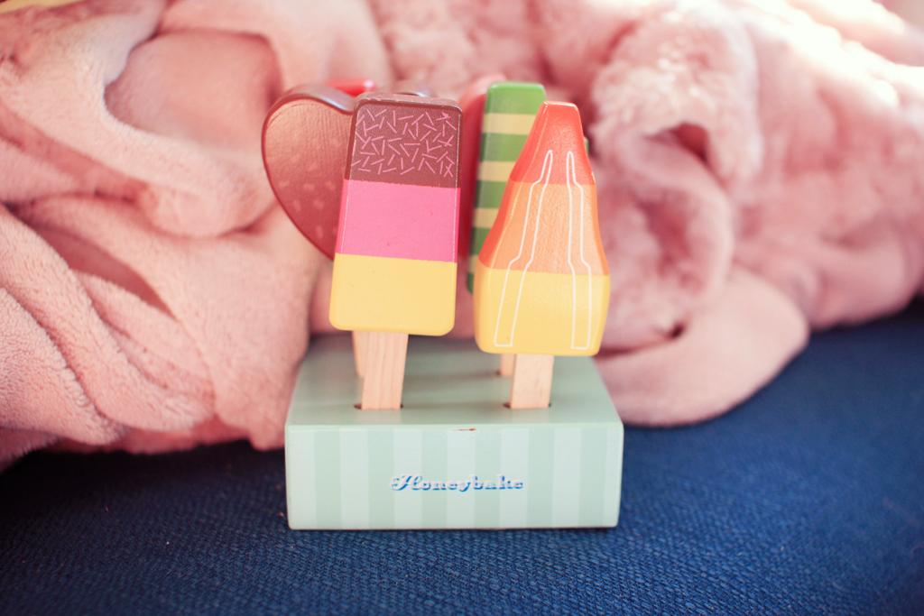 ice-toys