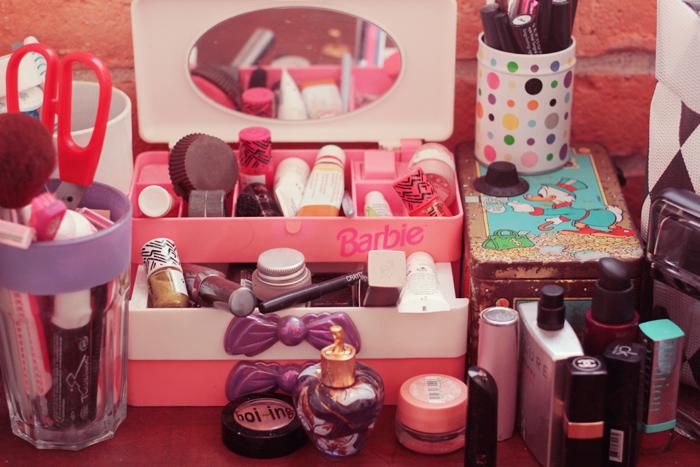barbie-vanity-case