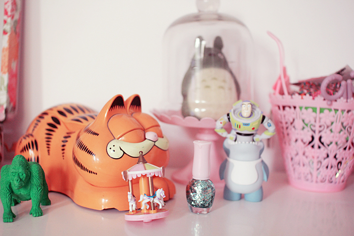 home-deco-girly-pastel-art-toys-5