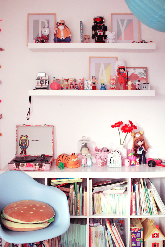 home-deco-girly-pastel-art-toys-7