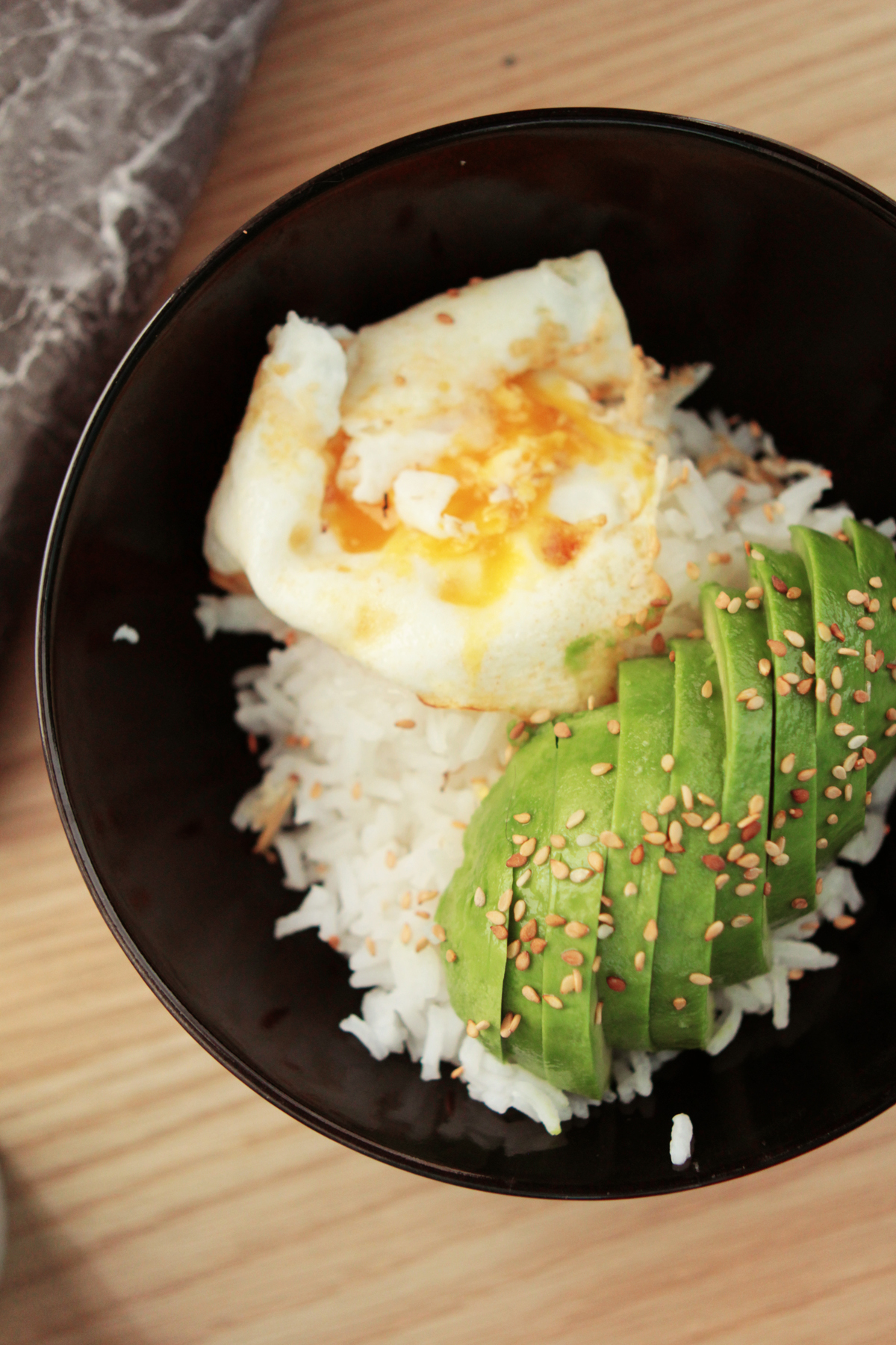 bol avocat riz oeuf facile-4